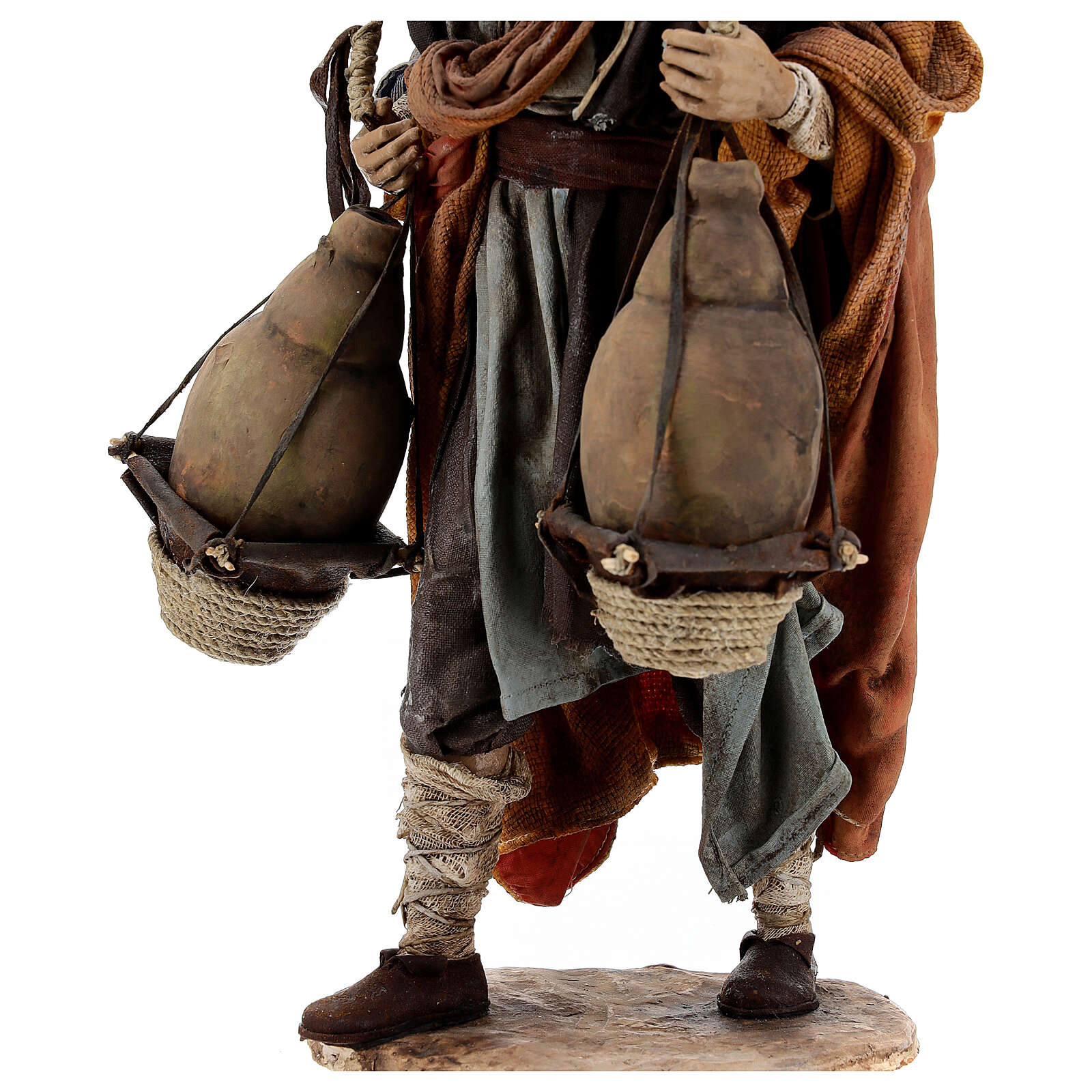 Man carrying jugs around neck 30 cm, Angela Tripi nativity 4