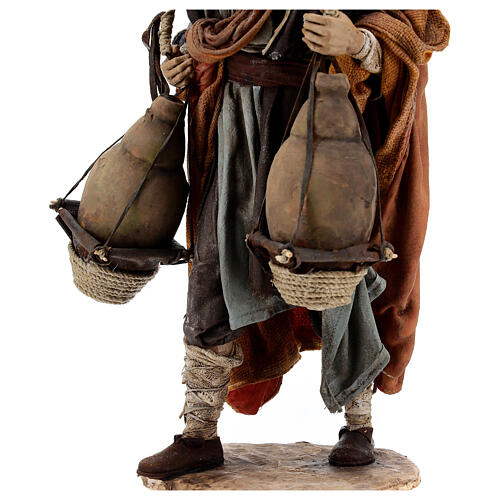 Man carrying jugs around neck 30 cm, Angela Tripi nativity 8