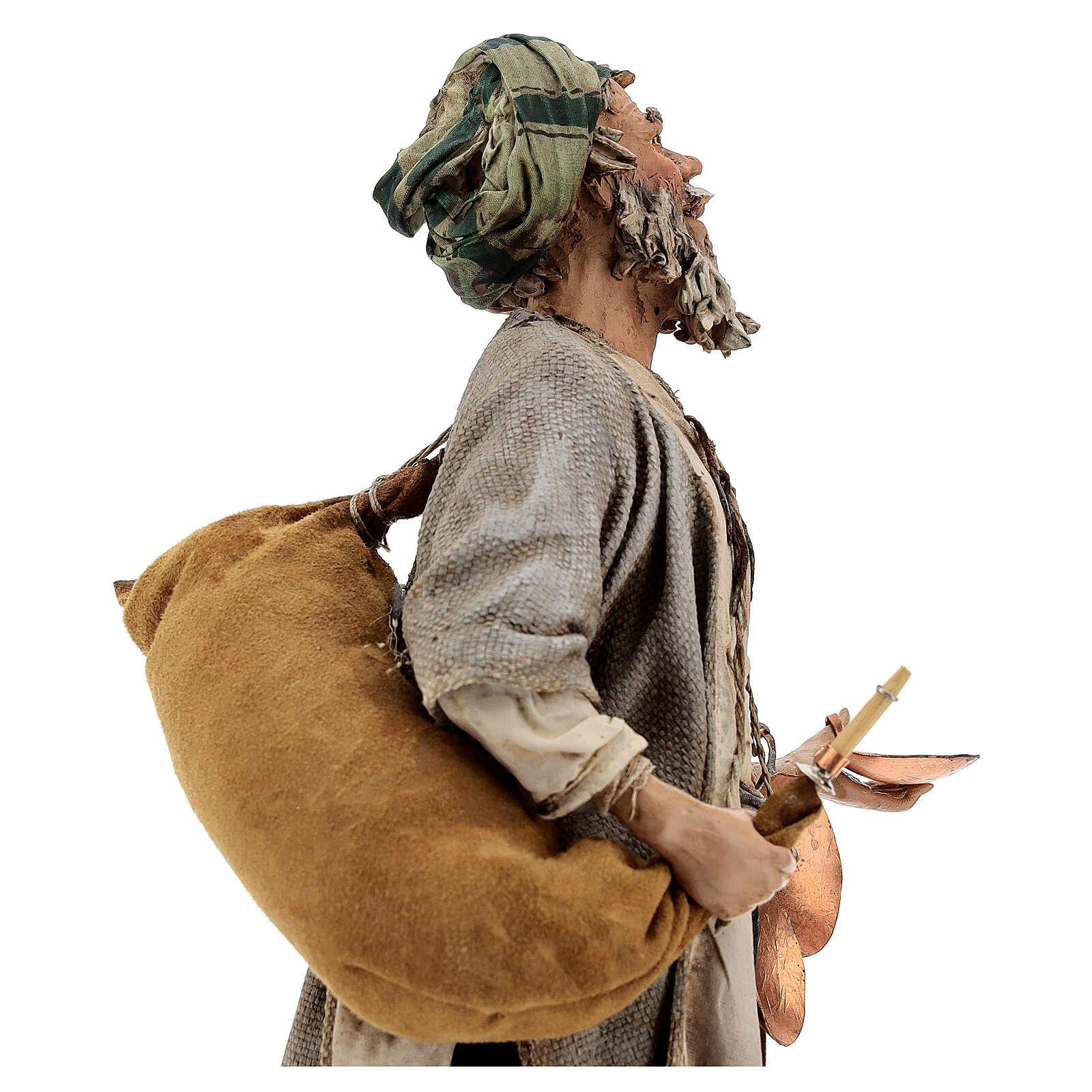 Man with saddlebag, 30 cm Angela Tripi 4