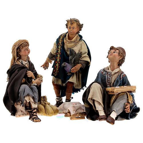 Groupe 3 garçons qui jouent 18 cm Tripi 1