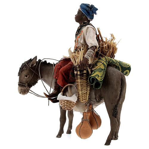 Femme maure sur âne 18 cm crèche Angela Tripi 3