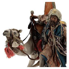 Magi coming down from camel, 13 cm Tripi nativity s2