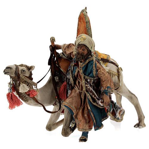 Magi coming down from camel, 13 cm Tripi nativity 3