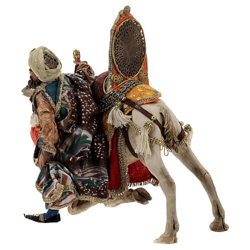Magi coming down from camel, 13 cm Tripi nativity 6