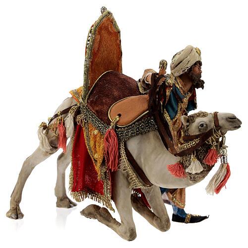 Magi coming down from camel, 13 cm Tripi nativity 7