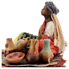 Donna seduta mora con ceramiche 18 cm Tripi s4