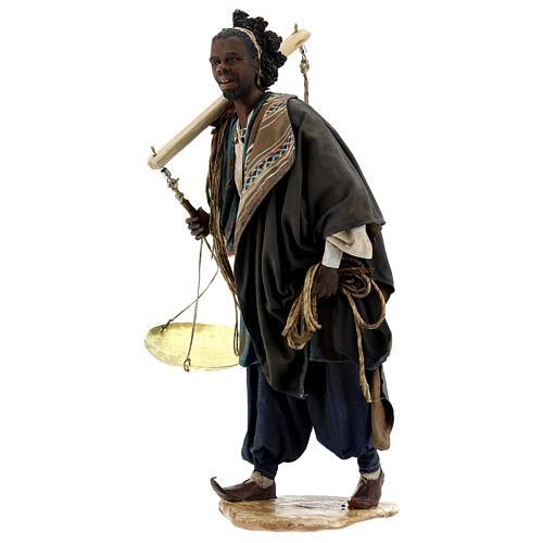 Moor slave with scale Angela Tripi Nativity Scene 30 cm 3