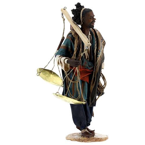 Moor slave with scale Angela Tripi Nativity Scene 30 cm 5