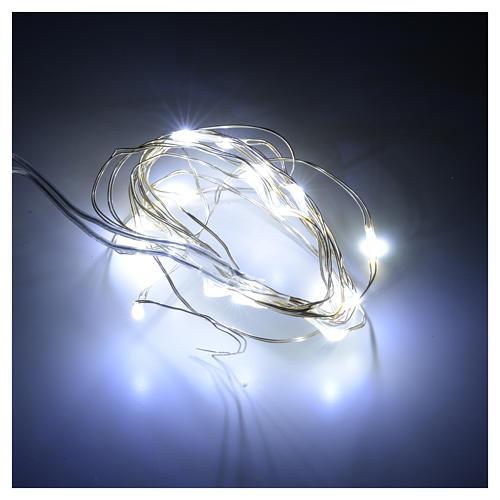 Luci Natale 20 led filo nudo bianco freddo per interno a batteri 2