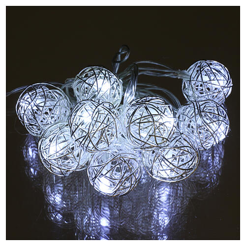 Luces Esferas ovillo metal 10 led Blanco hielo uso interno 2