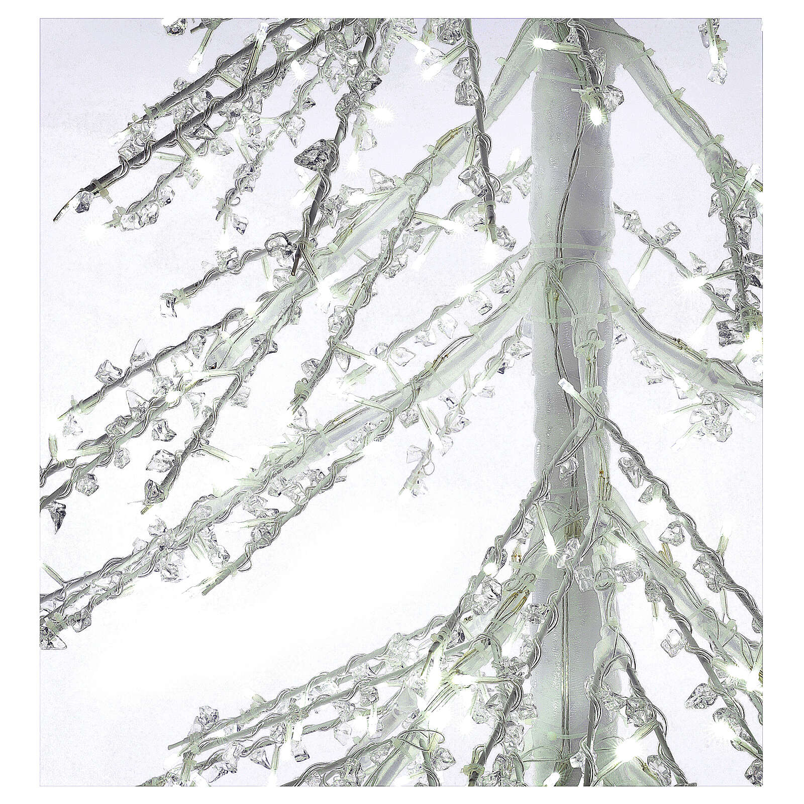 Lighted Christmas tree Diamond 250 cm with 720 cold white LEDs external electric powered 3
