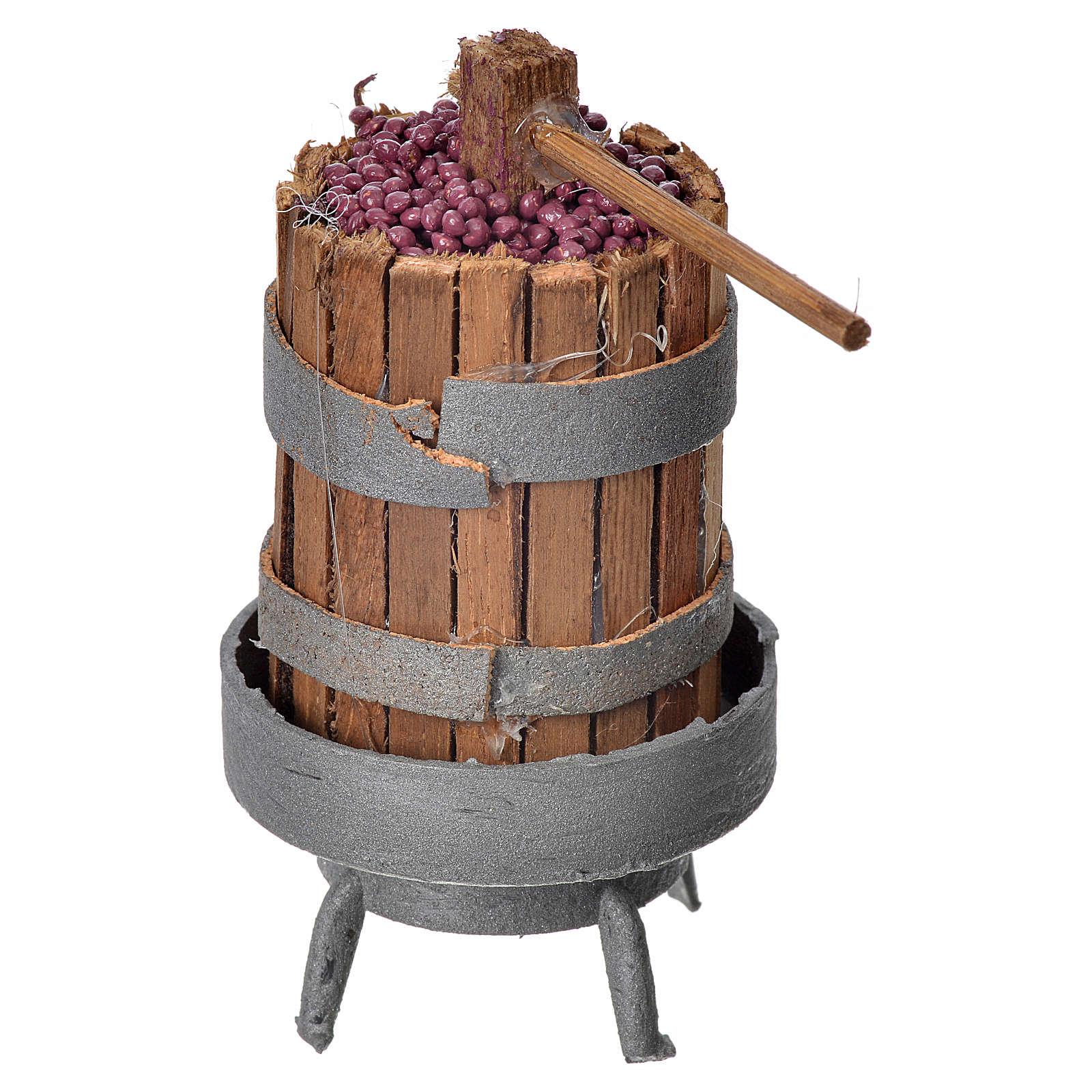Torchio in legno con uva per presepe h 9,5 cm 4