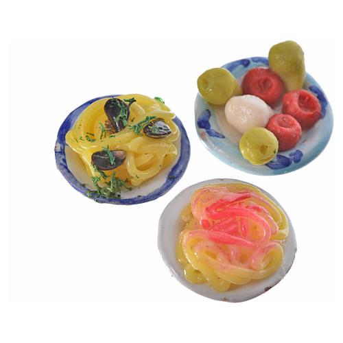 Piatto terracotta con pasta condimenti assortiti cera diam 2,5 4