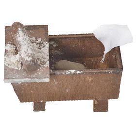 Nativity bread storage chest in terracotta 5x7.5x4cm s3