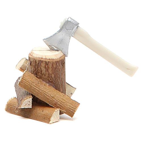 Hache avec bûches bois 4x4,5x4 cm 1