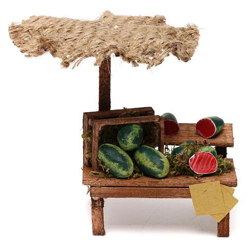 Puesto de mercado para belén con sombrilla y sandías 12x10x12 cm 1