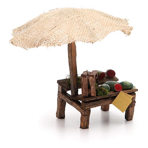 Puesto de mercado para belén con sombrilla y sandías 16x10x12 cm 3