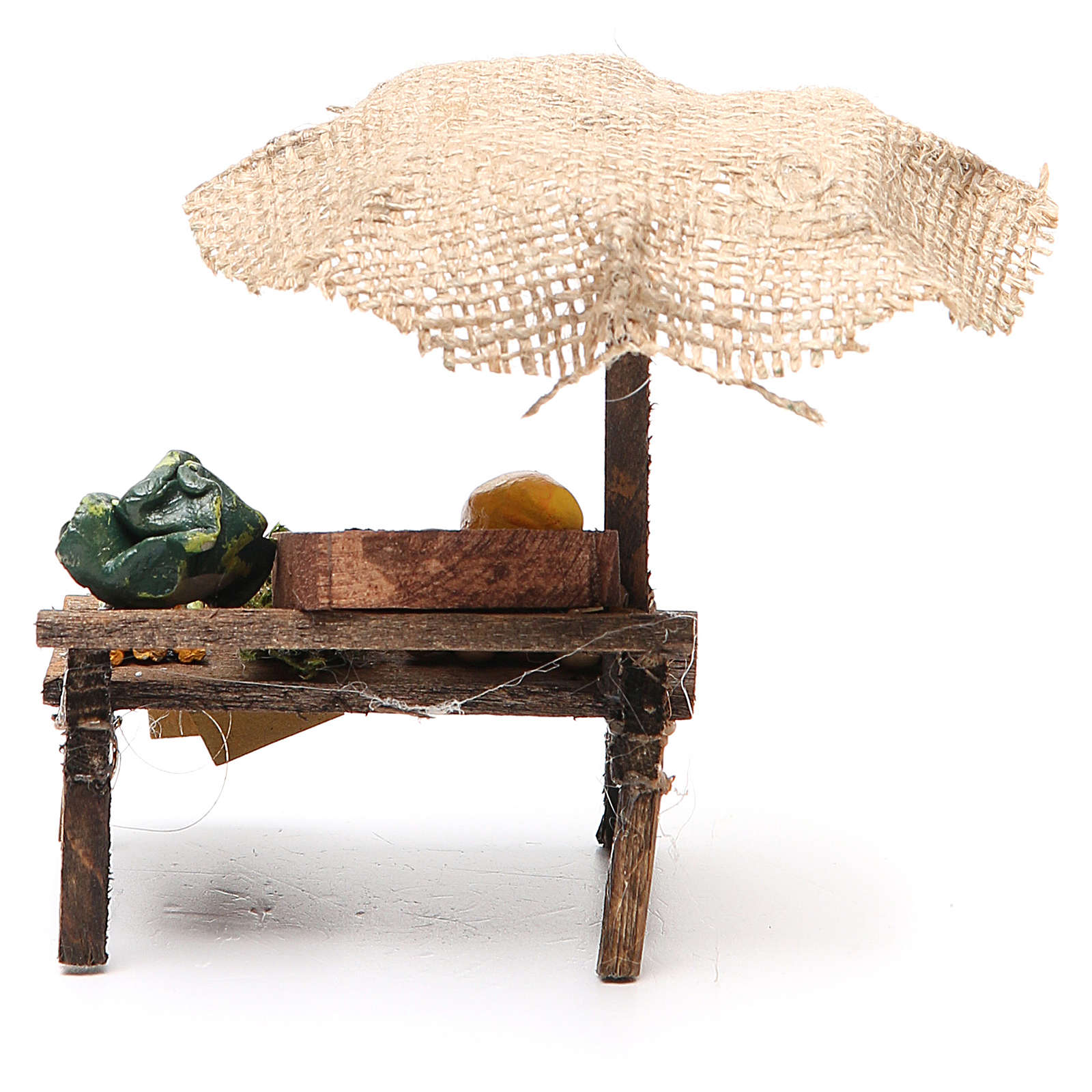 Puesto de mercado para belén con sombrilla y verduras  12x10x12 cm 4