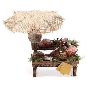 Puesto de mercado para belén con sombrilla, carne y embutidos 12x10x12 cm s1
