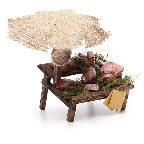 Puesto de mercado para belén con sombrilla, carne y embutidos 12x10x12 cm 3