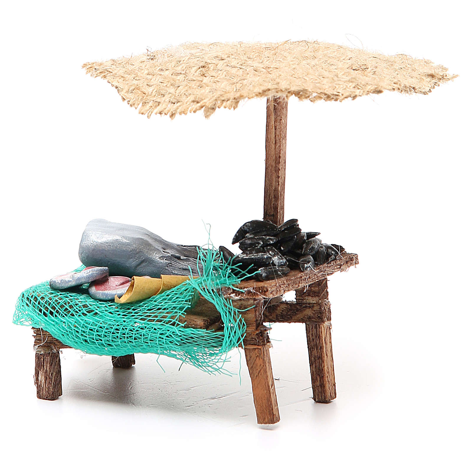 Workshop nativity with beach umbrella, fish and mussels 12x10x12cm 4