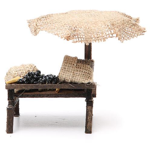 Puesto de mercado para belén con sombrilla y aceitunas 12x10x12 cm 4