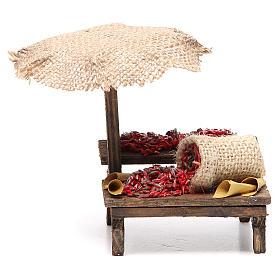 Comida em Miniatura para Presépio: Banca presépio com chapéu-de-sol pimentas 12x10x12 cm