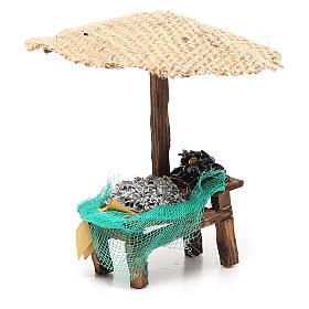 Banchetto presepe con ombrello sardine cozze 16x10x12 cm s3