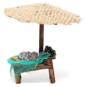 Comida em Miniatura para Presépio: Banca presépio com chapéu-de-sol sardinhas e mexilhões 16x10x12 cm
