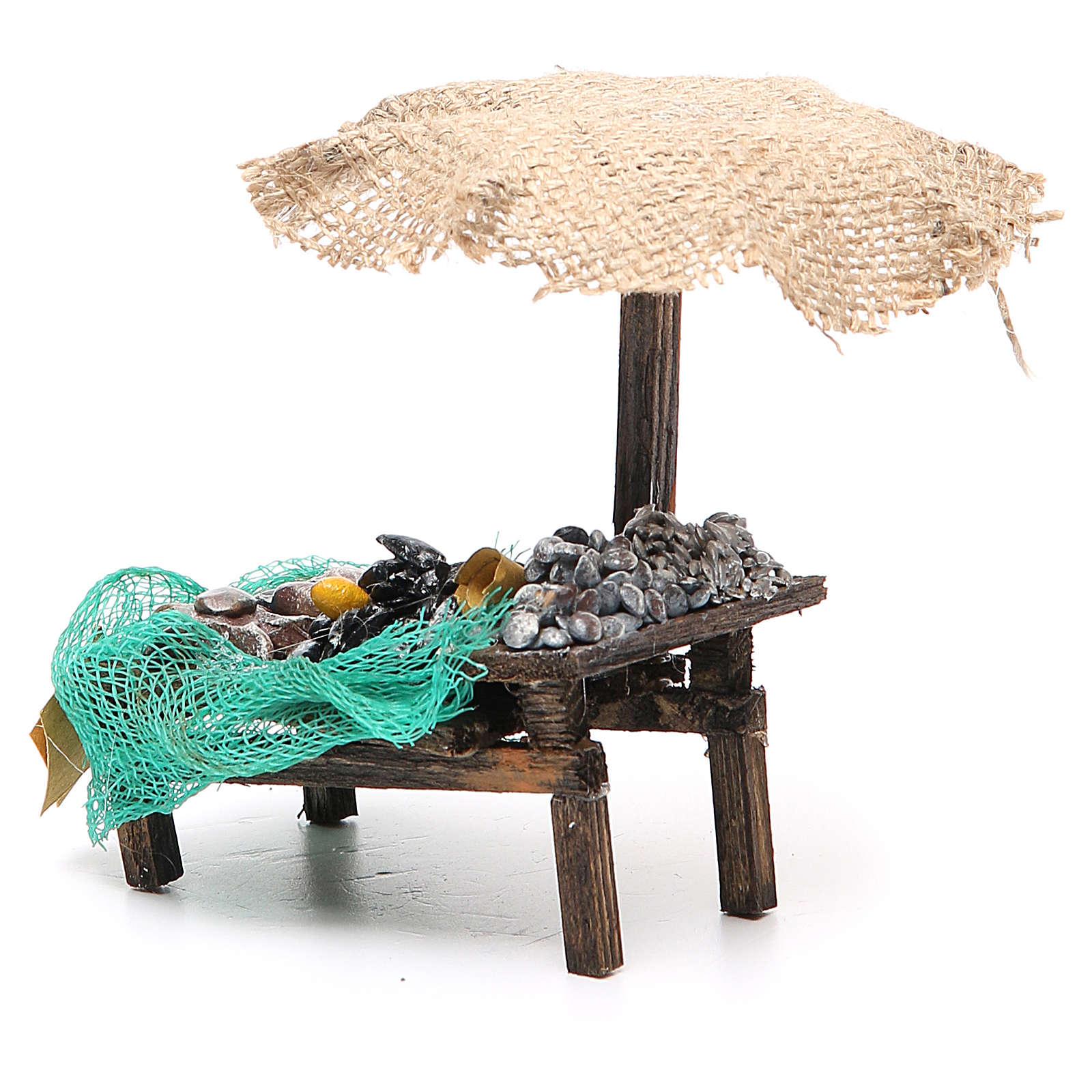 Puesto de mercado para belén con sombrilla, mejillones y almejas 12x10x12 cm 4