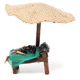 Comida em Miniatura para Presépio: Banca presépio com chapéu-de-sol mexilhões amêijoas 16x10x12 cm