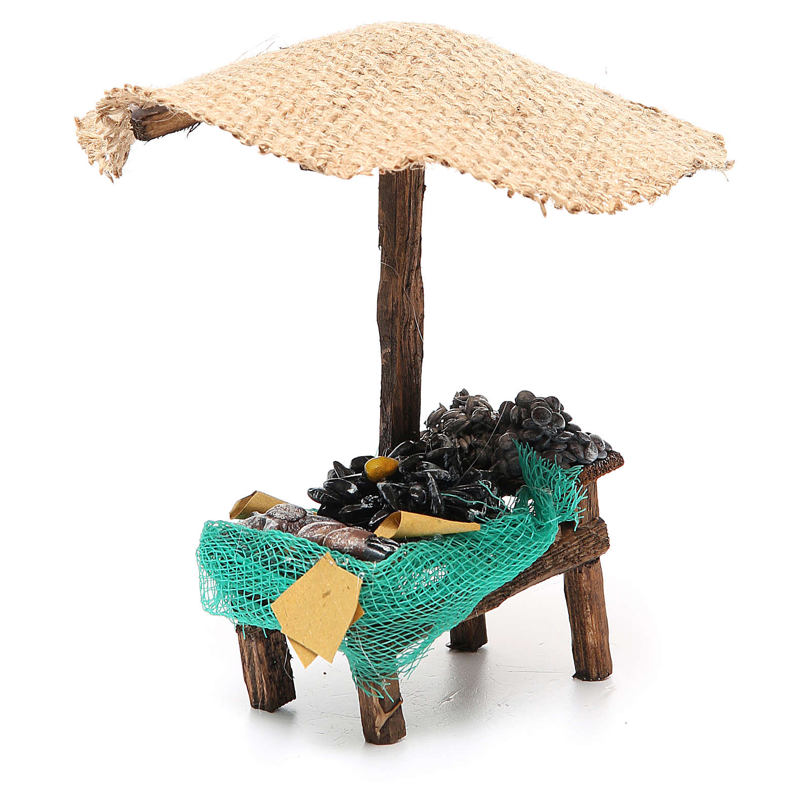 Workshop nativity with beach umbrella, mussels and clams 16x10x12cm 4