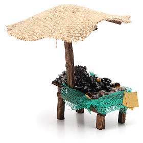 Workshop nativity with beach umbrella, mussels and clams 16x10x12cm s4