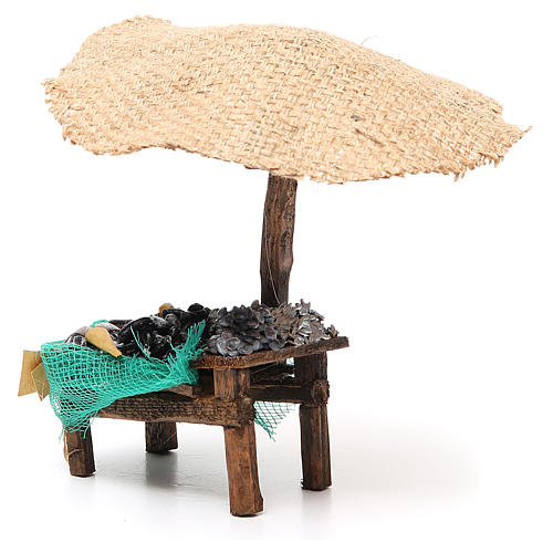 Workshop nativity with beach umbrella, mussels and clams 16x10x12cm 2