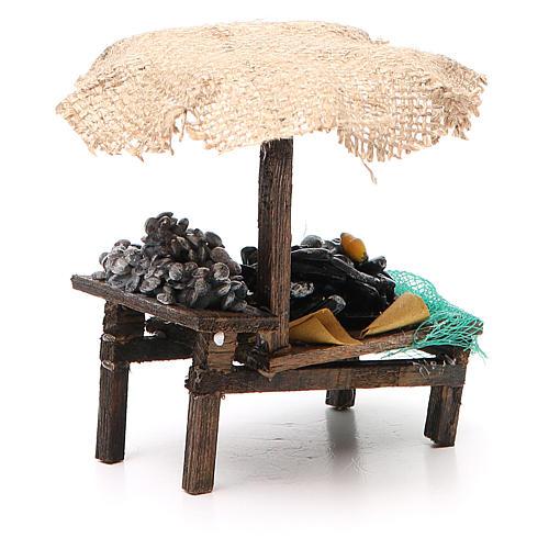 Banchetto presepe cozze vongole con ombrello 12x10x12 cm 3