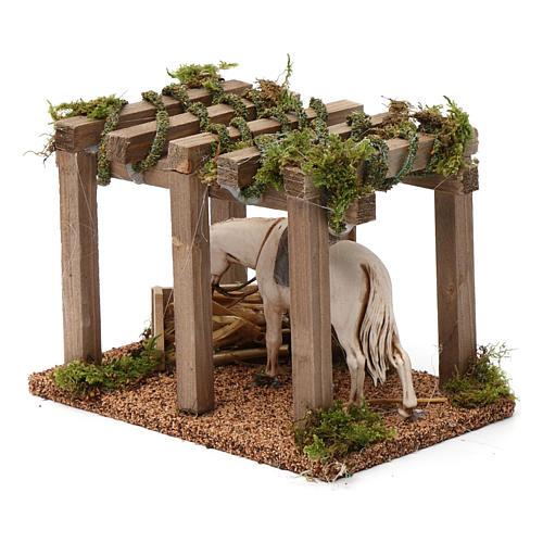 Porche con caballo y comedero 10x20x10 cm para figuras belén 10 cm de altura media 2