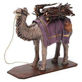 Camello de pie con cargo belén 14 cm de altura media terracota s2