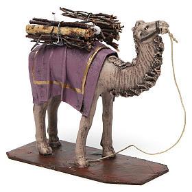 Camello de pie con cargo belén 14 cm de altura media terracota s3