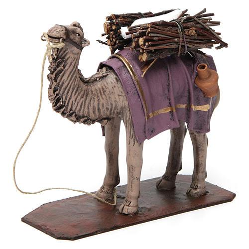 Camello de pie con cargo belén 14 cm de altura media terracota 2