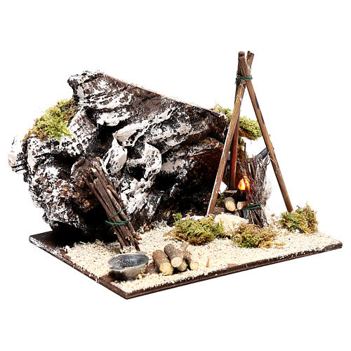 Illuminated nativity setting, rustic camping site with fire 12x15x15cm 3