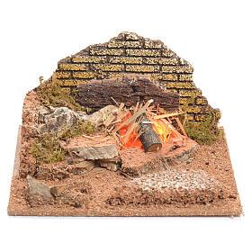 Illuminated nativity scene with fire 8x15x15cm s1