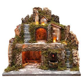 Cabane illuminée et bourgade 40x40x30 cm avec fontaine et escalier s1