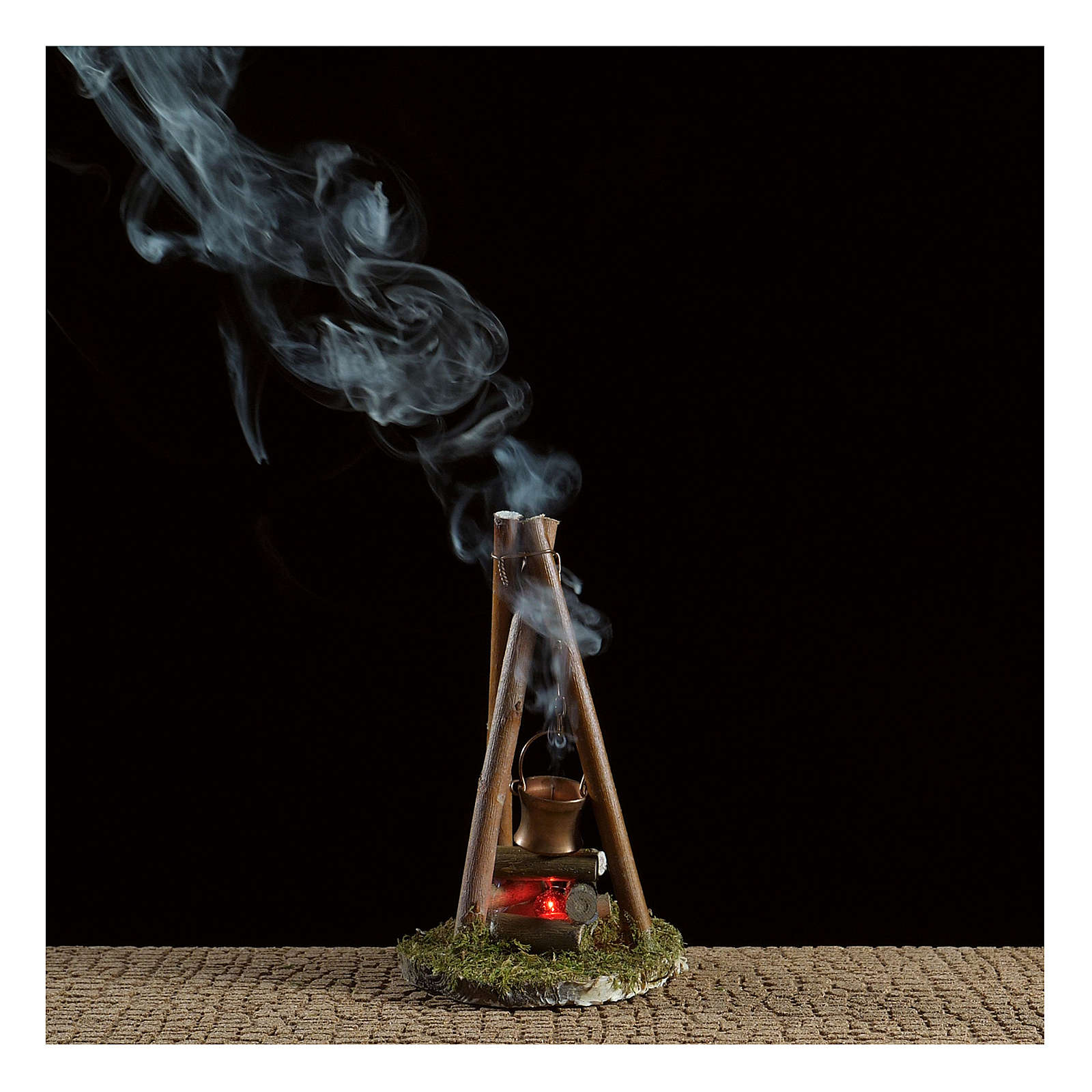 Camp fire with smoke and light 4,5V h. 15x8cm 4