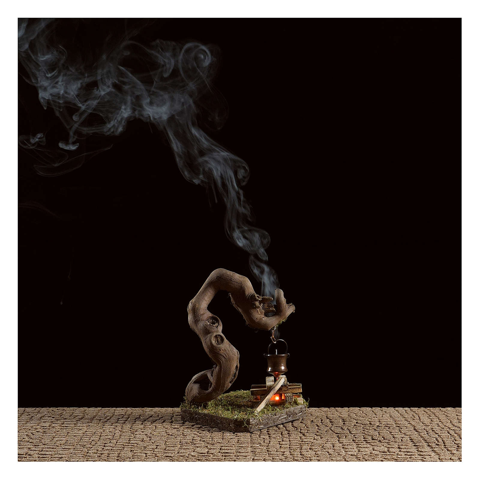 Fuego para belén con humo 4,5V h.12x8x7 cm 4