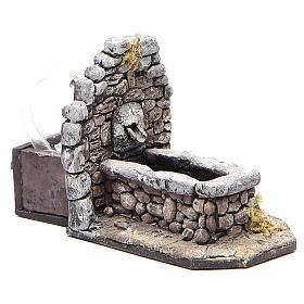 Fontaine en résine type rocher pour crèche 11x16x8 cm s3