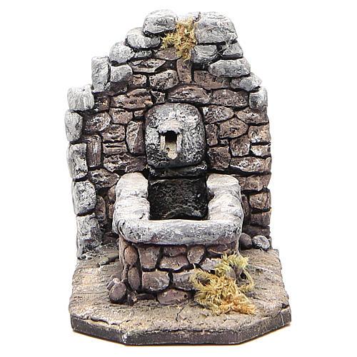 Fontaine en résine type rocher pour crèche 11x16x8 cm 1