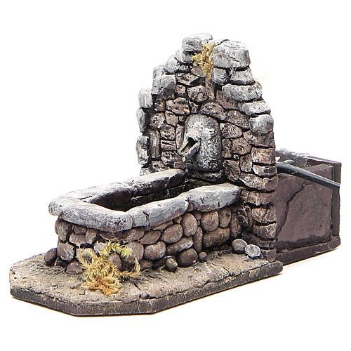 Fontaine en résine type rocher pour crèche 11x16x8 cm 2