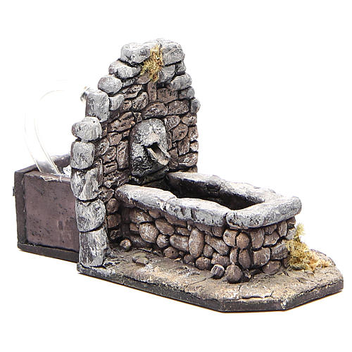 Fontaine en résine type rocher pour crèche 11x16x8 cm 3