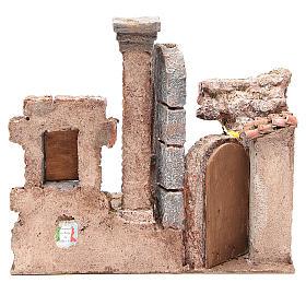 Borgo con colonna e banchetto presepe 28x30x20 cm s4
