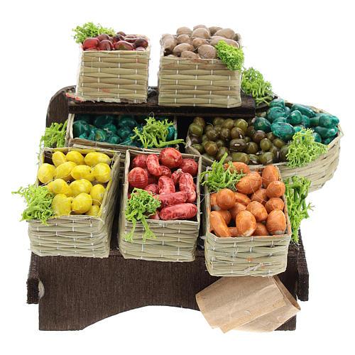 Mesa con cajas de fruta belén napolitano 1